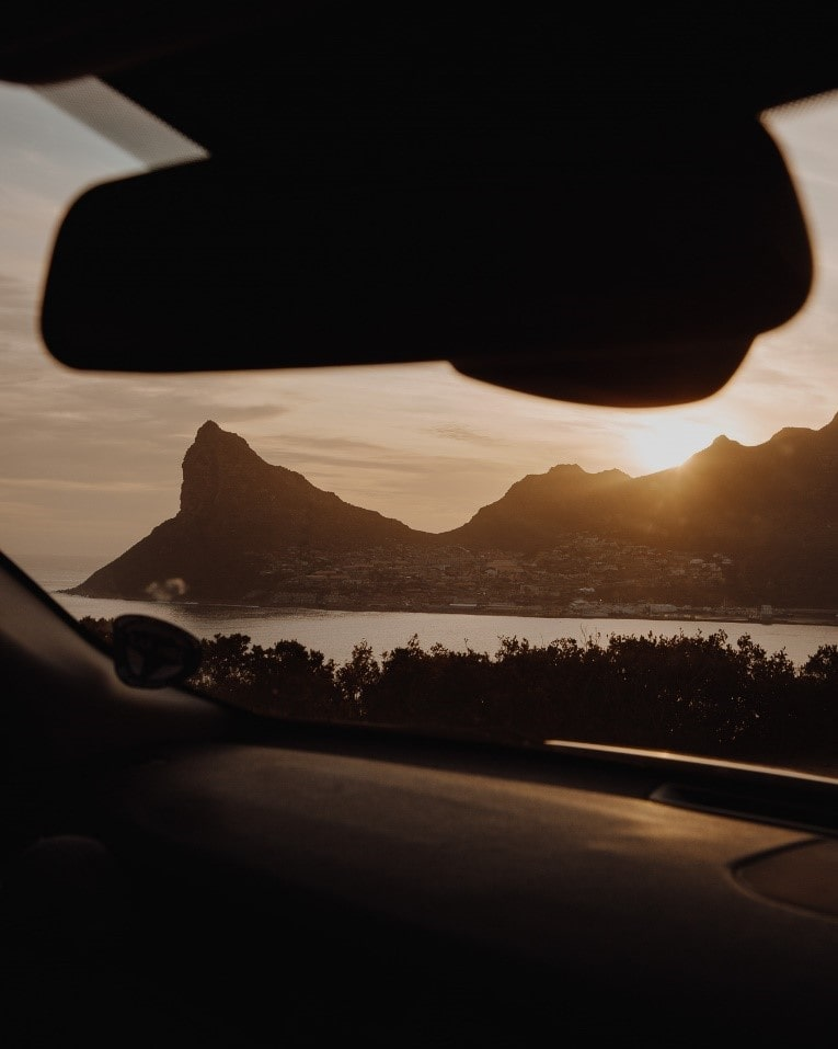 around-about-cars-view-from-car-min
