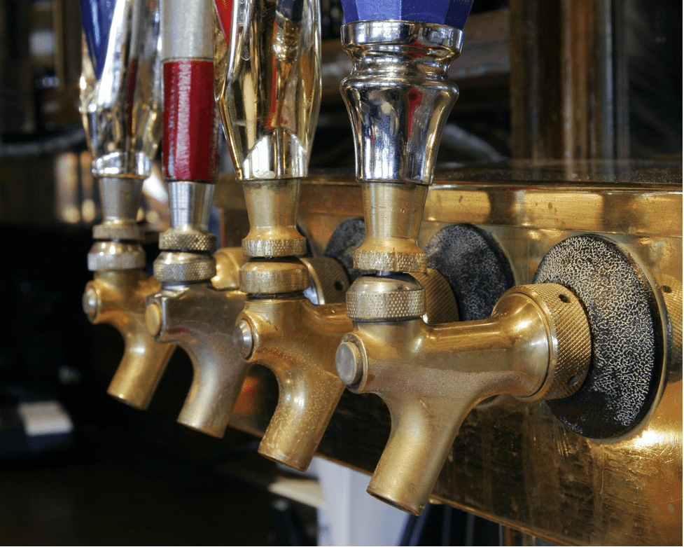 car-hire-cape-town-beer-taps -min