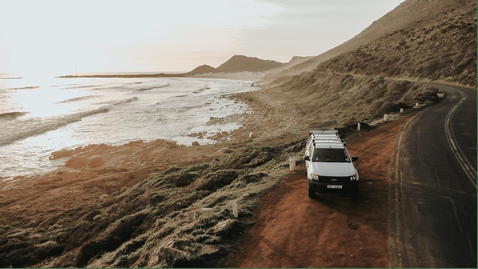 car-hire-cape-town-overview-sunset-bakkie-min