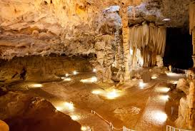 Around-about-cars-Cango-Caves-min