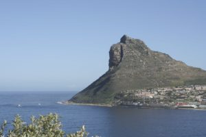 Around-about-cars-Lions Head-min