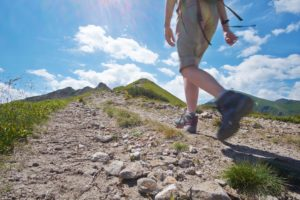 hiking-75049609-min
