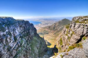 table-mountain-in-cape-town-56178124-min
