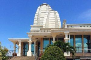 With-your-car-hire-Johannesburg-from-Jozi-to-KZN-Sri-Sri Radha-Radhanath-Temple-min