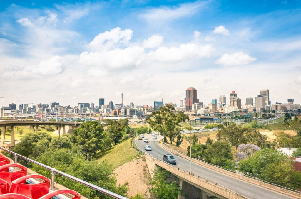 wide-angle-view-of-johannesburg-skyline-from-the-highways-47304813-min