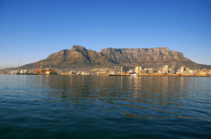 car-hire-cape-town-table-mountain-and-ocean-min