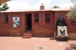 7 Celebrate-Mandela-Day-with-your-car-hire-Johannesburg-Mandela-House-in-soweto-min
