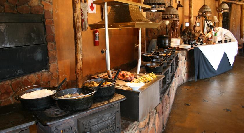 Buffet at Aquila Game Reserve.